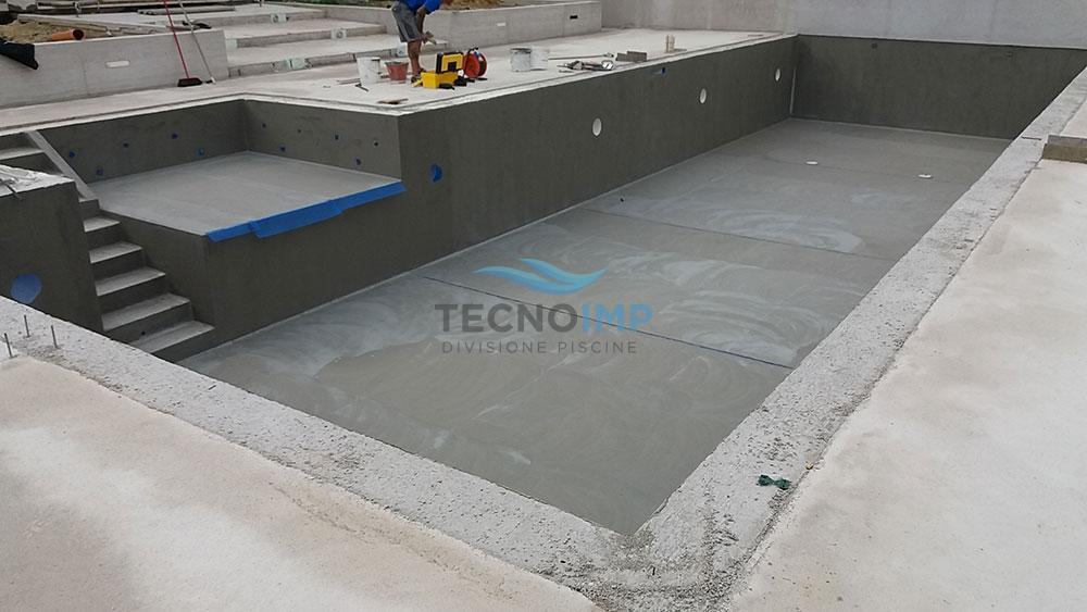 Sanificazione Piscina rettangolare con scaletta