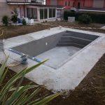 Realizzazione piccola piscina in cemento armato controterra